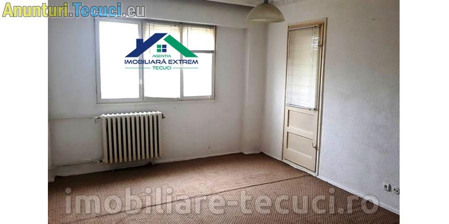 Apartament cu 3 camere – zona Penny